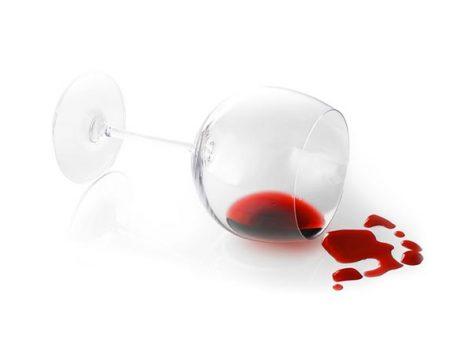 Lichte Rode Wijn : Rode wijn tegen de lichten van de vuurwerkvakantie dicht bij